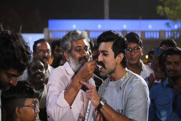 Celebrating Ramcharan birthday on sets of RRR
