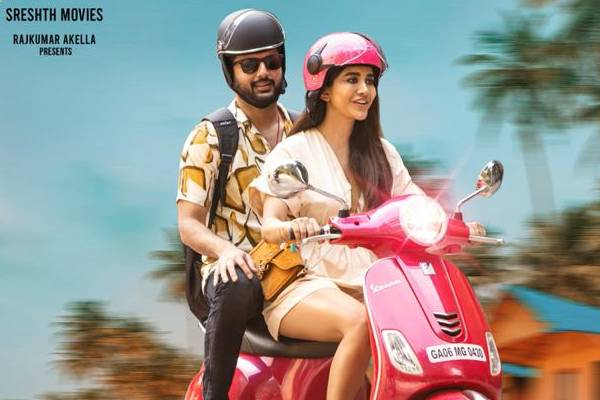 Nithiin, Nabha Natesh Enjoying Bike Ride