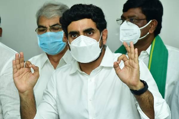 Modi reviewed exams but not Jagan: Lokesh
