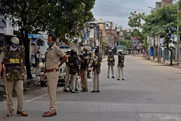 Cops close all shops as KCR tours Warangal