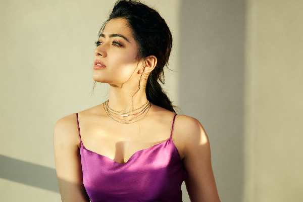 Rashmika Mandanna warns fan who turned up at her home to meet her