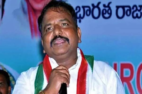 Andhra PCC chief says, Chiranjeevi is still a Congress man