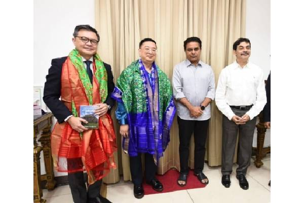 KTR moots exclusive zone for Singapore companies in Telangana