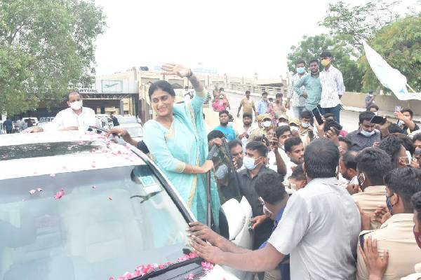Party launch or film audio function? BJP satires on Sharmila