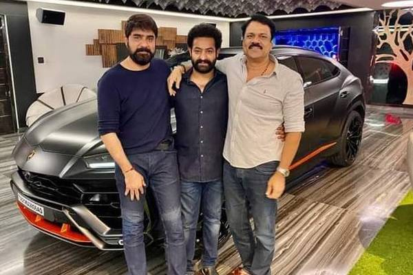 First Pic: NTR poses with his Lamborghini
