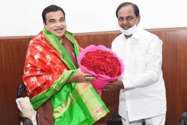 KCR wants better road connectivity between TS-AP, meets Gadkari