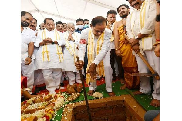 KCR lays foundation stone for TRS office in Delhi
