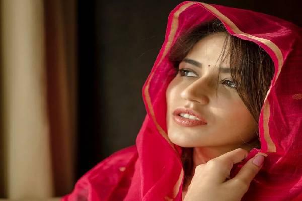 Latest Stills of Gorgeous Priyanka Jawalkar