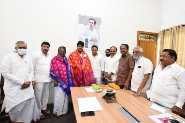 Stalin seeks KCR's support for demand to abolish NEET